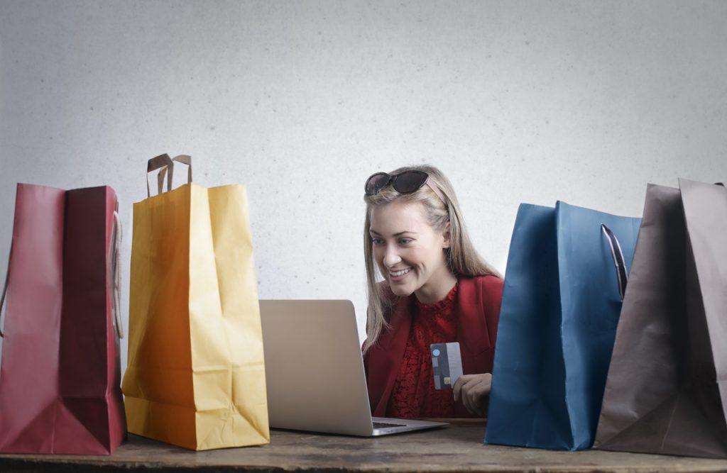 Girl shopping - Blue Light Card